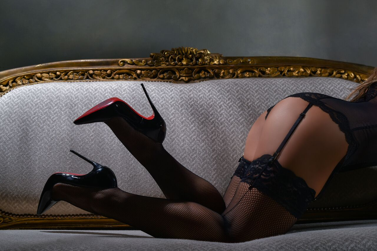 Lingerie boudoir photos heels